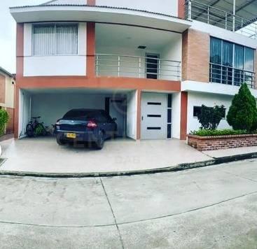 Casa en Pereira 141870, foto 0